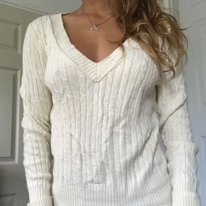 American Eagle soft & baggy white sweater!